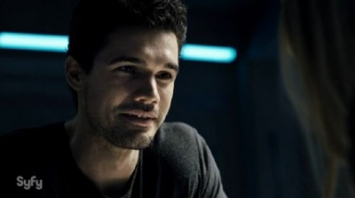 The-Expanse-S1x02-Holden-during-his-flashback-sequence-with-Ade-400x223
